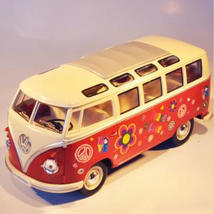 VW HIPPIEBUS model 1962 (stor-l:17,5cm-red)