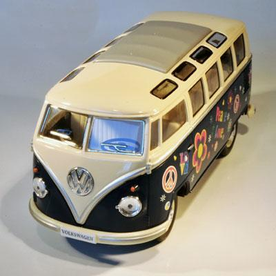 VW HIPPIEBUS årgang 1962 in size 1:32 (large - blue)
